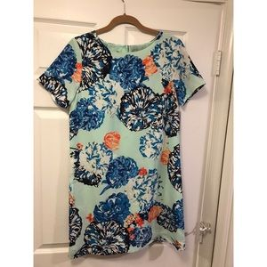 Floral print gallery shift dress